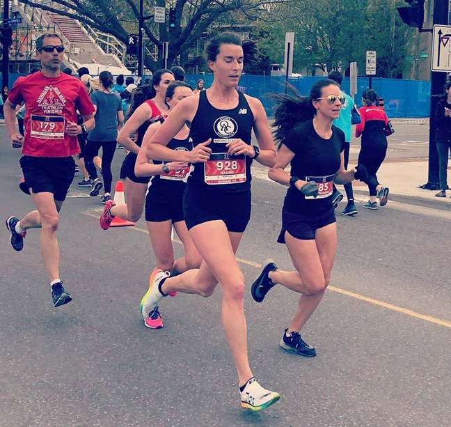 Nadine Frost (#928) placed 2nd in the Sporting LIfe 10K in Ottawa; teammate LIndsay Kary (behind Nadine placed 3rd