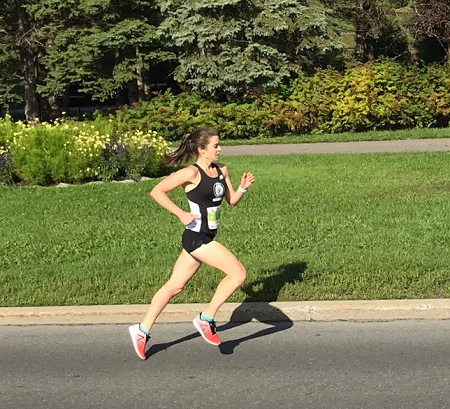 Veronica Allan enroute to winning the Wiggle Waggle 5K in 18:59.7 on Sunday morning
